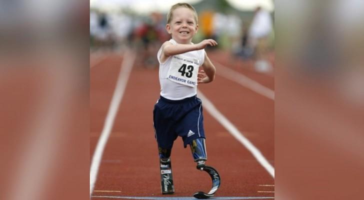 Dieser Junge wurde ohne Beine und mit einer unheilbaren Krankheit geboren: heute läuft und trainiert er für die nächsten Paralympics