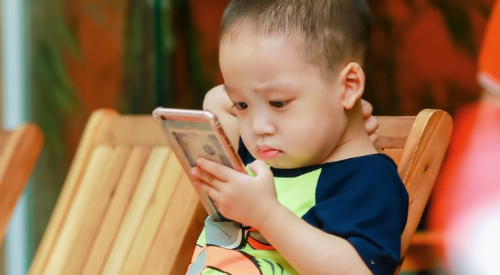 Kinderen en technologie: de smartphone is net zo verslavend als drugs, zeggen experts