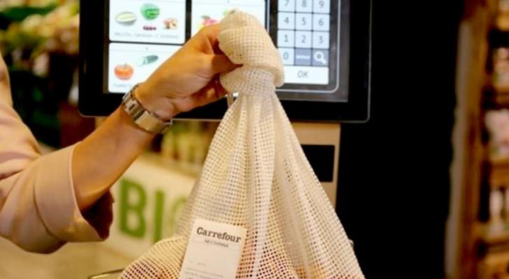 Un sacchetto di cotone per frutta e verdura: così questa nota azienda diventa plastic free