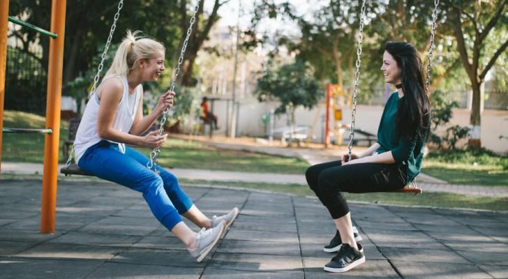 Le amicizie sono la vera fonte della felicità, non il partner: lo conferma uno studio