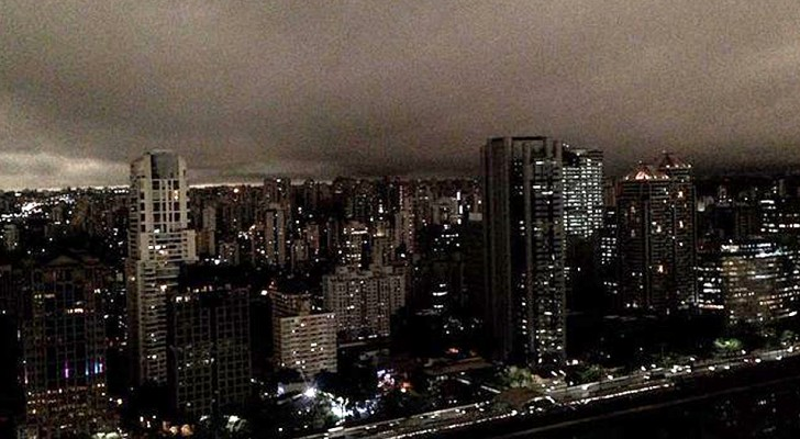 In São Paulo in Brazilië is het overdag nacht: de hemel wordt verduisterd door de branden in de Amazone