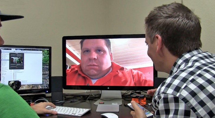 Man shows how easy It Is to hack Into Friend's Webcam. The Result Is Hilarious!