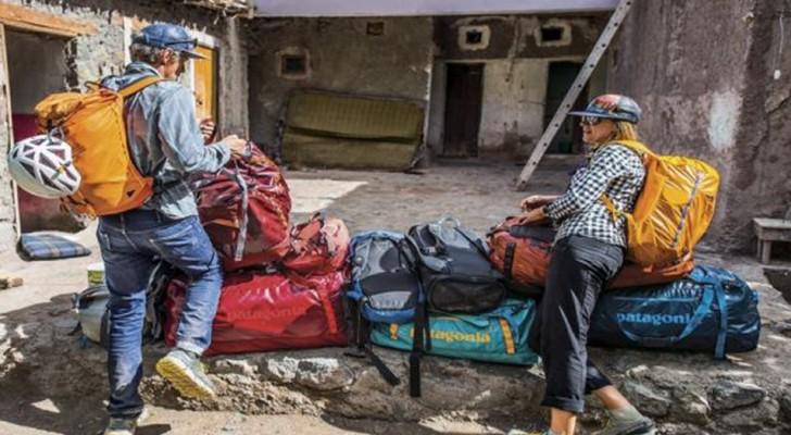 Patagonia ha prodotto una linea di borse realizzate con 10 milioni di bottiglie di plastica riciclata