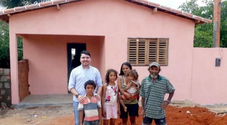 Uma igreja brasileira usou o dízimo para comprar uma casa para uma família em dificuldade