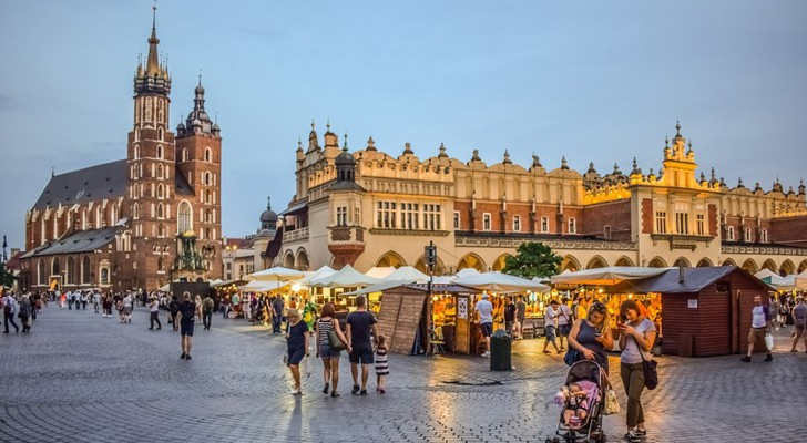 Cracovia è la destinazione ideale per chi vuole spendere poco, mangiare bene e visitare luoghi meravigliosi