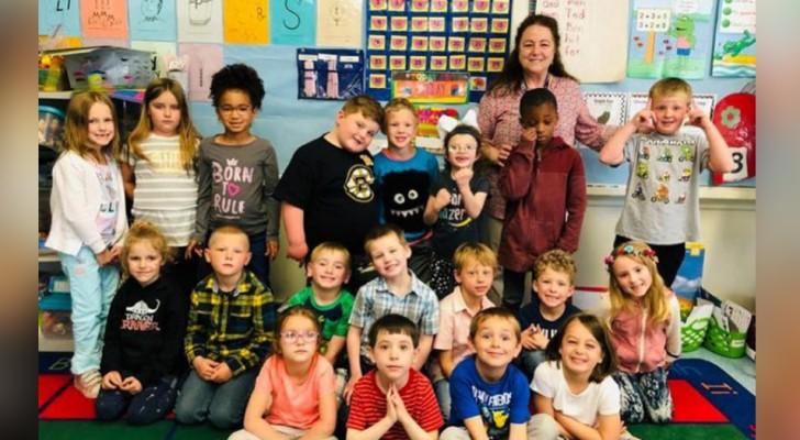 De hele school leert gebarentaal om een 6-jarig doof meisje te verwelkomen