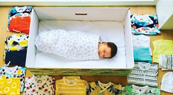 In Finlandia lo Stato regala una scatola di cartone ad ogni neonato: una tradizione che merita di essere imitata