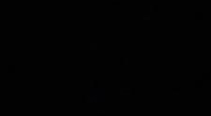 Albero Di Natale Con Cannucce Di Carta.Riciclare Vecchi Giornali Per Creare Un Albero Di Natale E Un Idea Economica E Di Grande Effetto Creativo Media