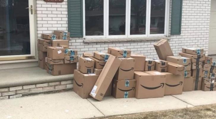 Una donna ha messo da parte le scatole Amazon per 6 mesi per fare uno scherzo al marito
