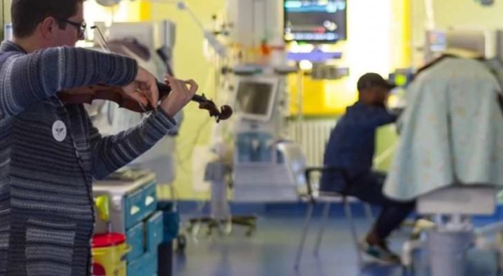 Un giovane violinista anonimo ha suonato delle dolci ninne nanne per i bimbi prematuri dell'ospedale di Cuneo