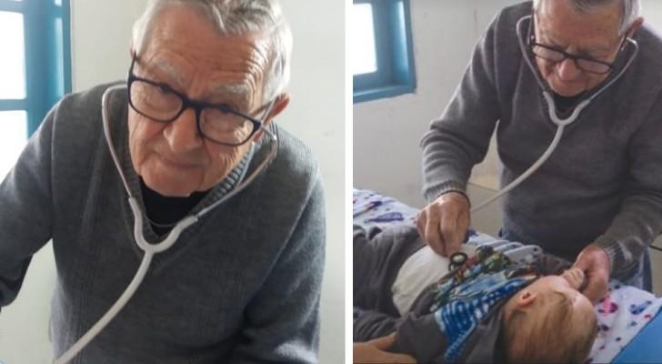 Een gepensioneerde kinderarts van 92 jaar blijft behoeftige kinderen gratis behandelen