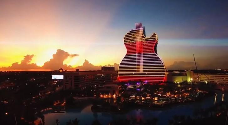 In Florida ha aperto il primo hotel di lusso dell'Hard Rock, a forma di chitarra