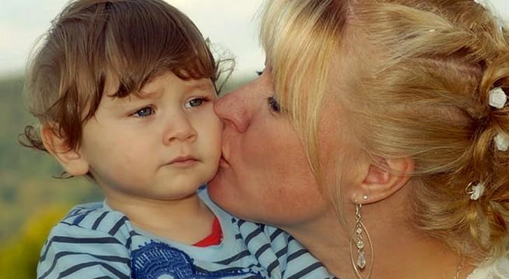 We moeten een kind nooit dwingen om een familielid te kussen of te knuffelen, dat zeggen experts