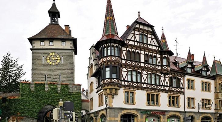 De geschiedenis van Konstanz, de Duitse stad die ongeschonden uit de bombardementen is gekomen omdat deze zich voordeed als een Zwitserse stad