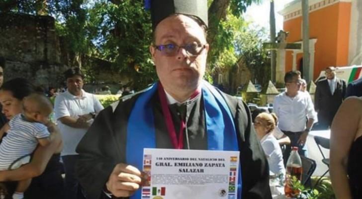 Uno scrittore con sindrome di Down ha commosso il mondo ricevendo la laurea honoris causa