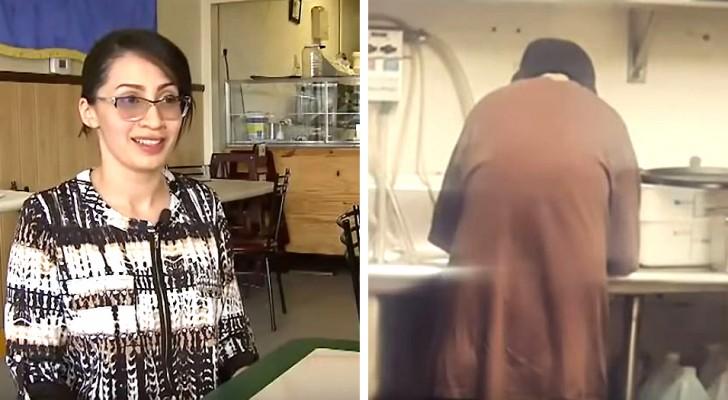 La propriétaire de ce café a donné du travail à un sans-abri qui était entré là en mendiant
