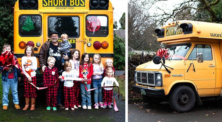 Deze opa creëerde een mini-schoolbus waarmee hij zijn 10 kleinkinderen elke ochtend naar school brengt