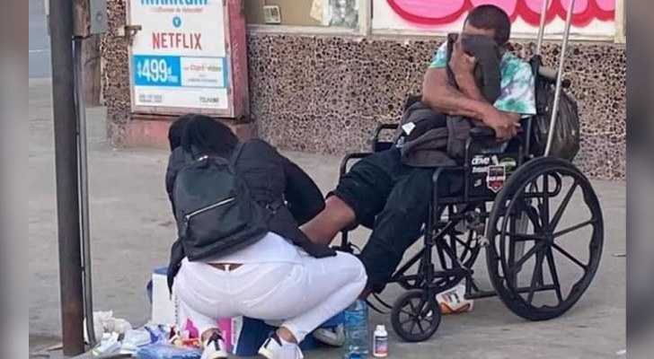 Despite utter exhaustion after a long workday, this nurse dropped everything to provide medical care to a wounded homeless man