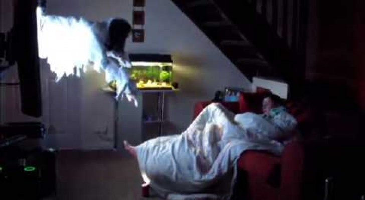 A boy sets up the SCARIEST wake up prank for his girlfriend !