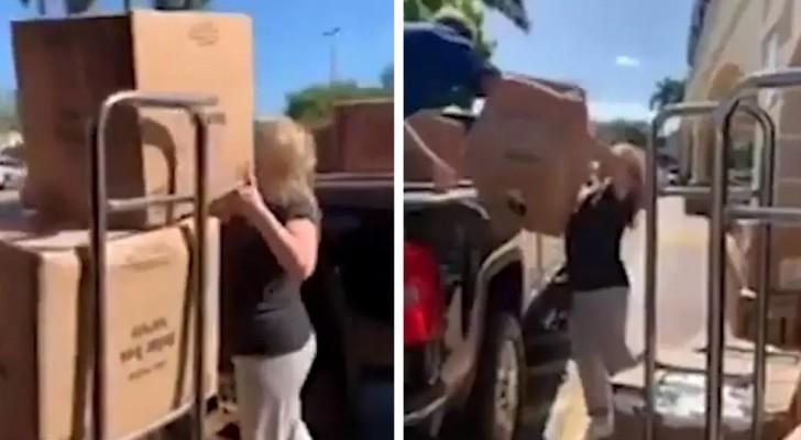 Coronavirus: een schaamteloze vrouw neemt de hele voorraad wc-papier mee bij de supermarkt