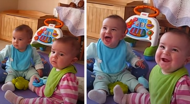 Dès qu'elles voient leur papa ouvrir la porte d'entrée, ces petites jumelles se mettent à rire de joie