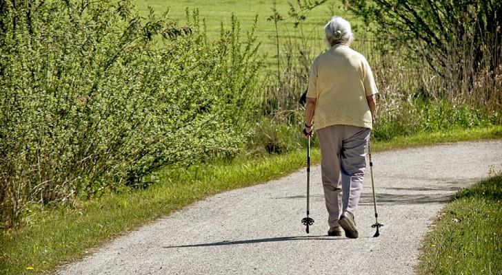 Att promenera mjukar upp dina leder, förebygger hjärt-kärlsjukdomar, samt främjar glatt humör och motivation