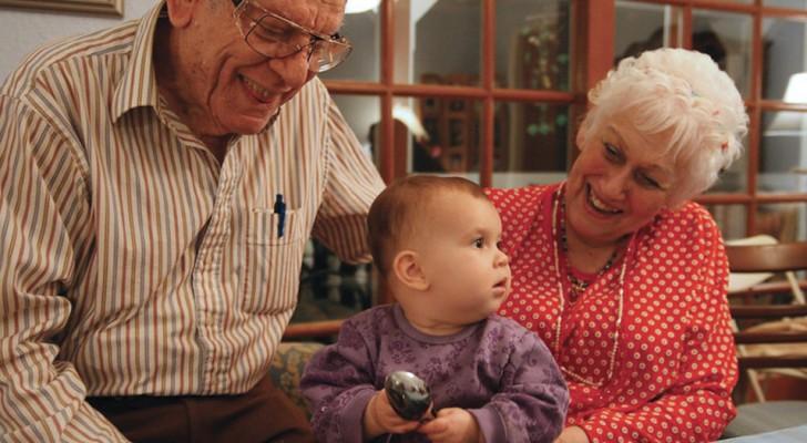 Pas que des sourires : être aux côtés des petits-enfants améliorerait aussi la santé des grands-parents