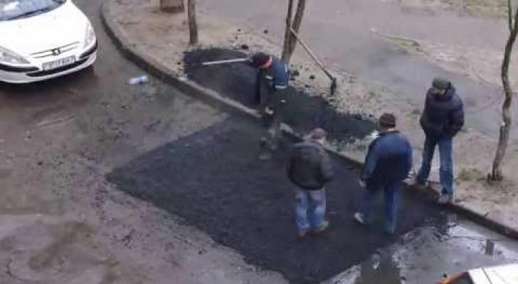 Je n'ai jamais vu une équipe d'ouvriers construire une rue comme ça