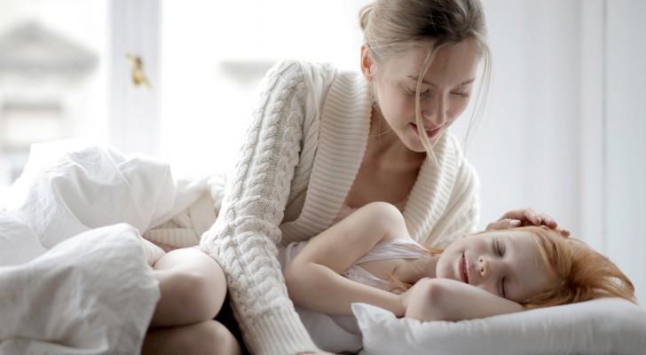 Alcune mamme si sentono più rilassate quando i figli vanno a letto presto: lo suggerisce una ricerca