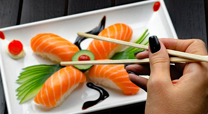 Il sushi al salmone non ha origini giapponesi: la sua diffusione si deve alla Norvegia