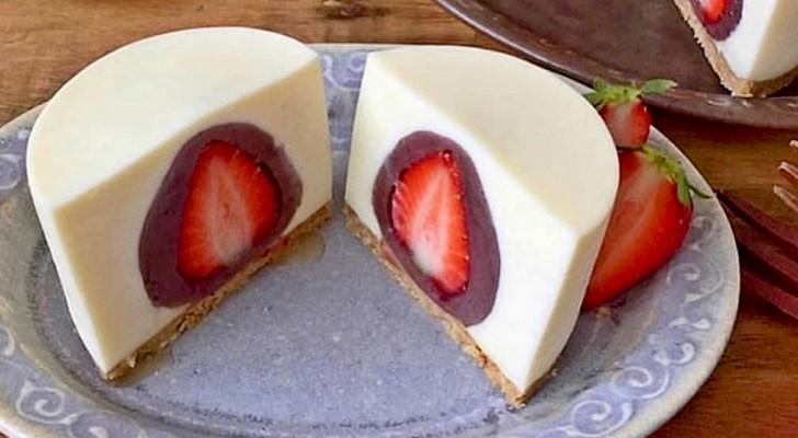Cheesecake con sorpresa: fuori crema di formaggio, dentro deliziose fragole ricoperte di cioccolato