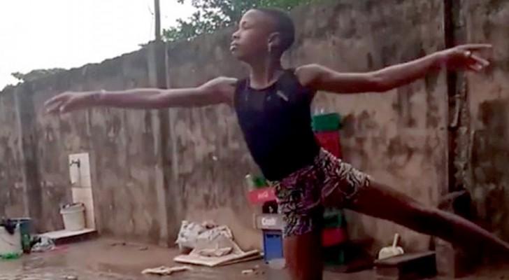 Un ballerino africano danza a piedi nudi sotto la pioggia: un'attivista vede il video e decide di pagargli gli studi