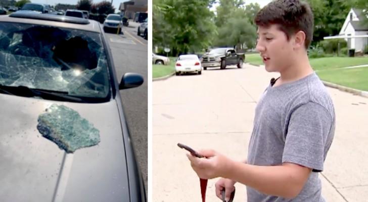 Un ragazzo di 12 anni vede un bambino chiuso in macchina sotto il sole: rompe il vetro e lo salva
