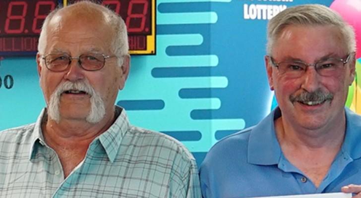 Han vinner 22 miljoner dollar på lotto och delar vinsten med sin kompis precis som de lovat varandra 30 år tidigare