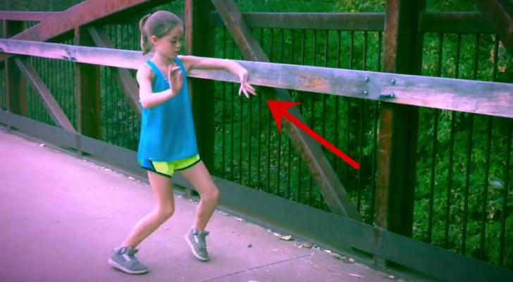 Rimarrete stregati dagli straordinari movimenti di questa bambina
