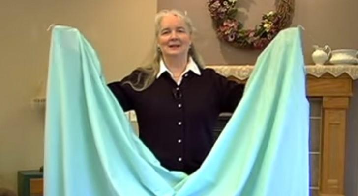Finalmente svelato il segreto per piegare i lenzuoli con gli elastici agli angoli!