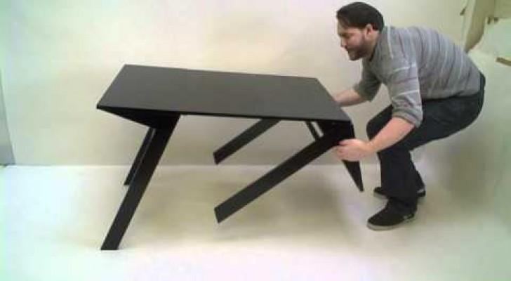 Sembra un normale tavolino da salotto ma nasconde una caratteristica geniale