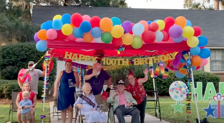 Um casal celebra o seu 80º aniversário de casamento: ambos também completaram 100 anos