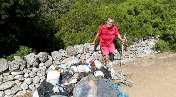Il bene genera bene: un volontario di 55 anni con reddito di cittadinanza ripulisce da solo il parco cittadino