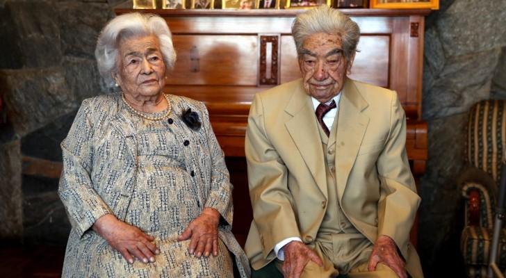 Ils se sont mariés malgré le désaccord de leurs familles : aujourd'hui, ils sont le couple le plus âgé du monde