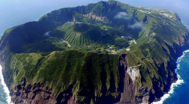 Questo villaggio giapponese è costruito attorno ad un vulcano attivo: potrebbe eruttare da un momento all'altro