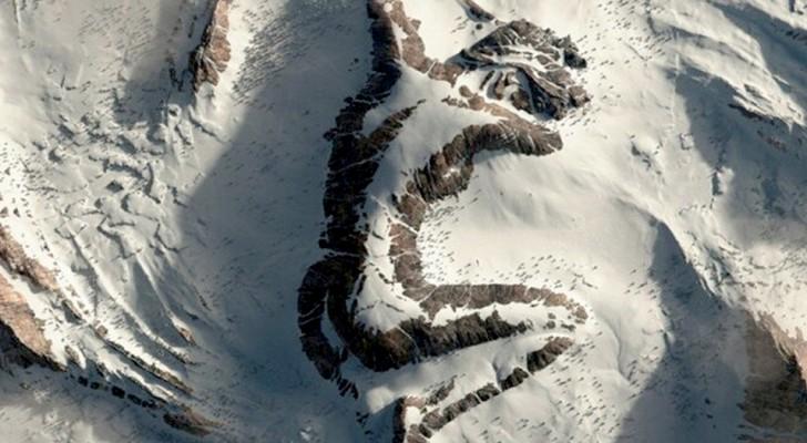 La montagne en forme de femme endormie : une œuvre numérique qui a littéralement déchaîné les internautes