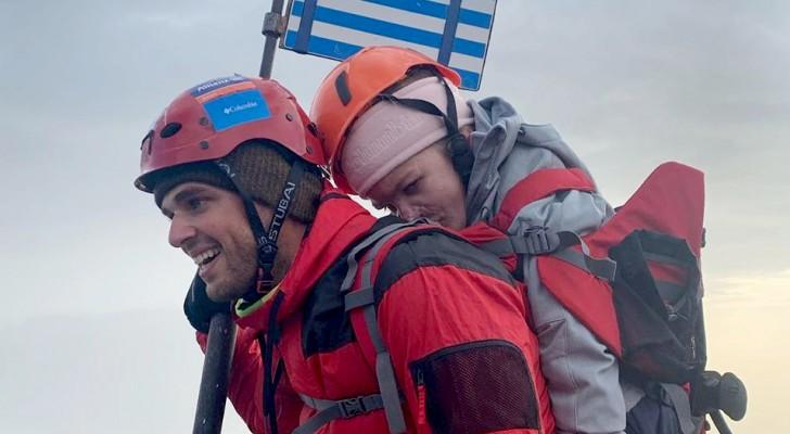 Un athlète porte une femme à mobilité réduite sur ses épaules jusqu'au sommet du mont Olympe pour réaliser son rêve