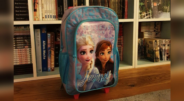 A 3-year-old boy is bullied in kindergarten for wearing a Frozen backpack: