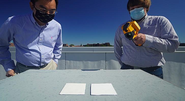 Ingenieurs hebben een speciale verf gemaakt die de temperatuur van gebouwen en auto's met wel 10°C minder kan verlagen