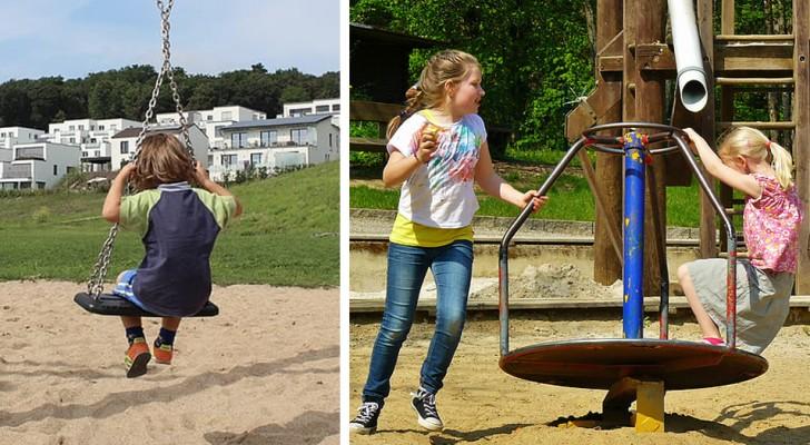 Les mamans éloignent un petit garçon du parc pour que leurs filles ne jouent qu'entre elles