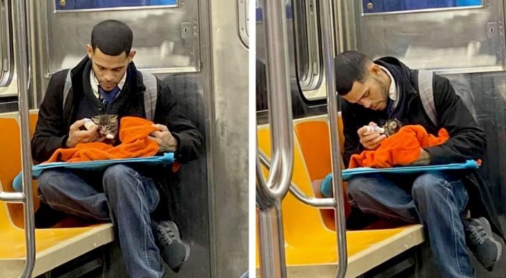 Un garçon dans le métro nourrit un chaton sauvé de la rue : un geste de grande compassion