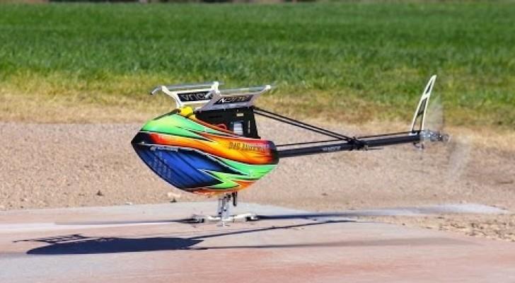 Vi sembra un semplice elicottero? Aspettate qualche secondo e... SPETTACOLO!
