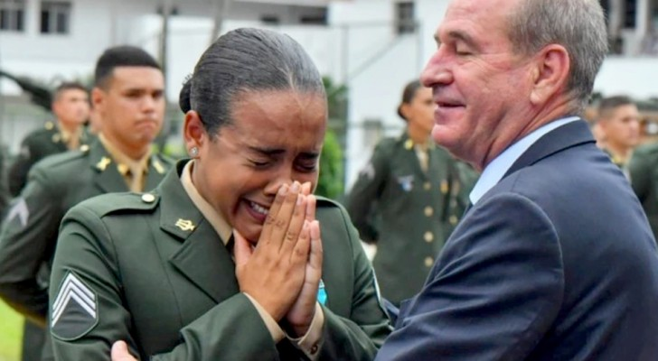 A girl breaks down in tears as she is promoted to sergeant: God gave me an honorable job!