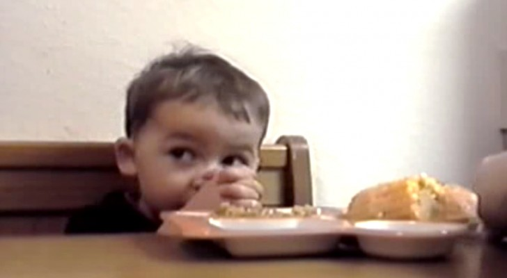 This little boy is too HUNGRY to pray: the result is hilarious!